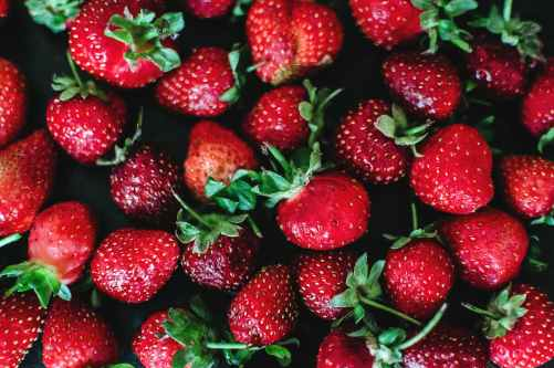 close up photo of strawberries